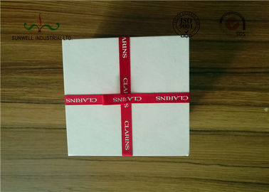 ประเทศจีน Delicate Ribbon Bow Attached Color Cosmetic Packaging Boxes Square Shape โรงงาน